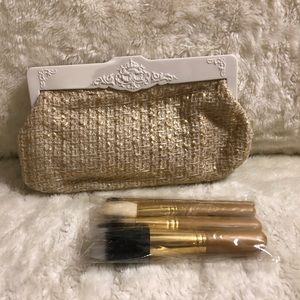 MAC Heirlooms Collection: 4 Face Brush Set